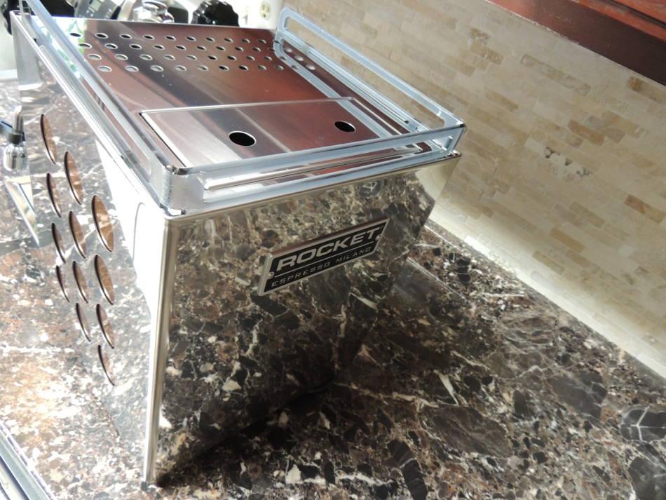dscn7406-stainless-steel-case-appartamento.jpg